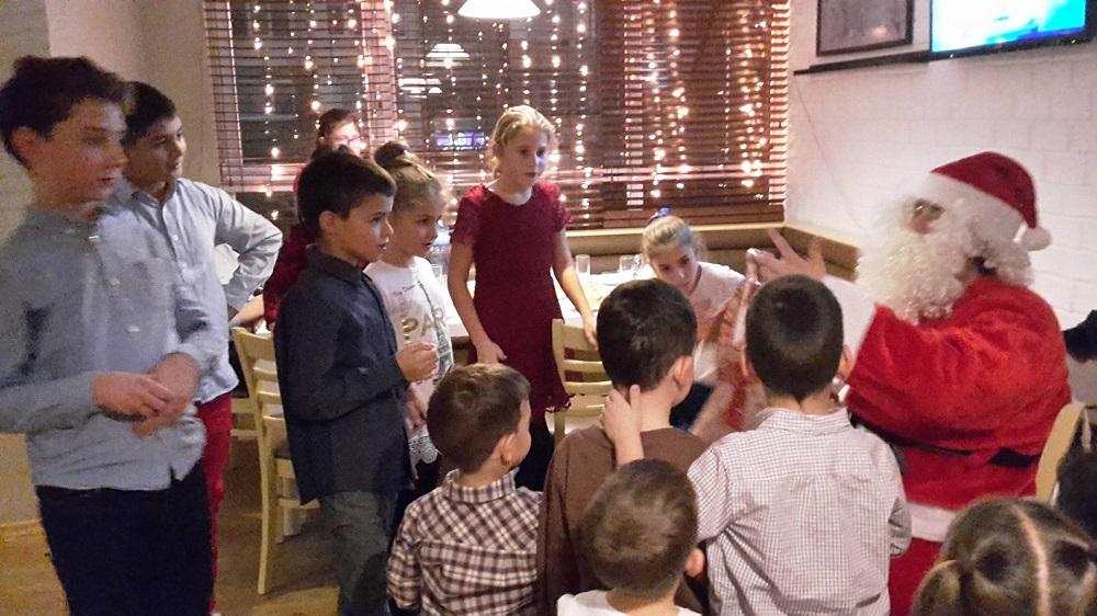 Коледно желание 2017 подари усмивки на единадесет семейства